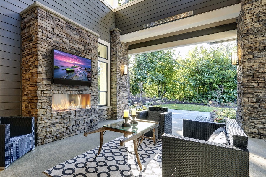 'Wow' Your Family and Friends with a Custom Outdoor Audio-Video System